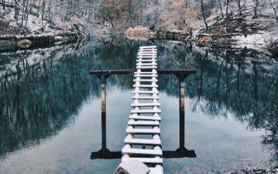 Озеро в поселке Научный в Крыму