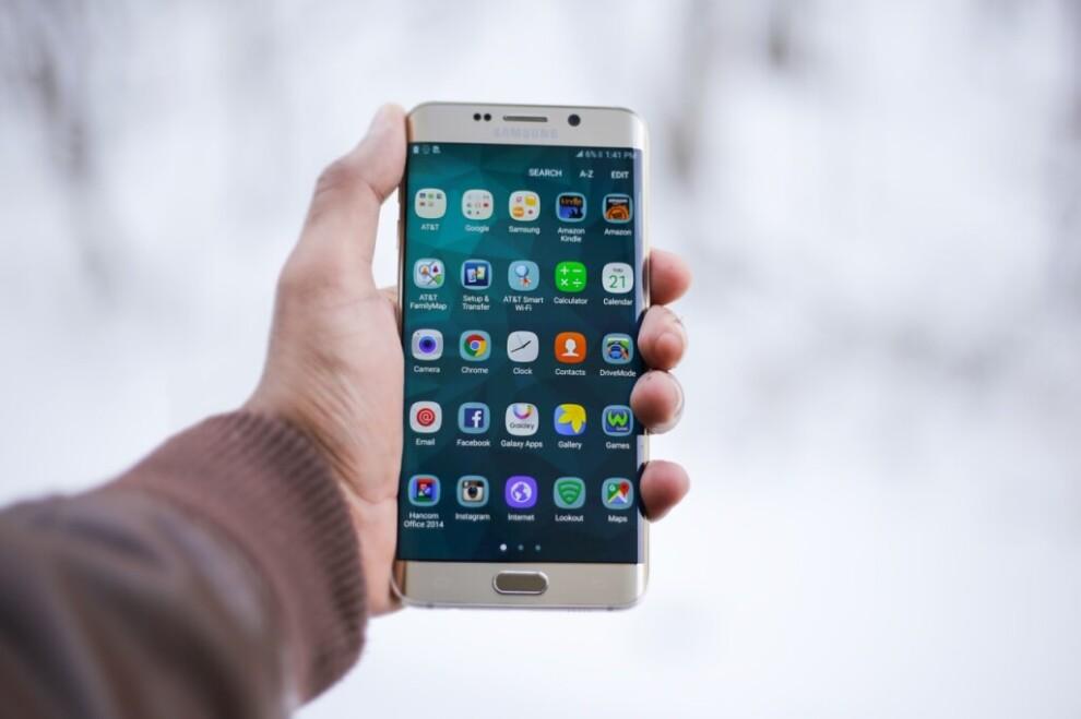 Мобильные приложения для поиска отдыха в Крыму (промокоды на ноябрь внутри!)